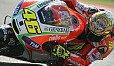 Valentino Rossi war überglücklich und jubelte mit den heimischen Fans - Foto: Milagro
