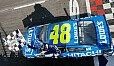 Erster Saisonsieg für Titelverteidiger Jimmie Johnson - Foto: NASCAR