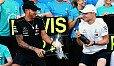 Valtteri Bottas darf Lewis Hamilton bis zum Titelgewinn 2018 den Vortritt lassen - Foto: Sutton