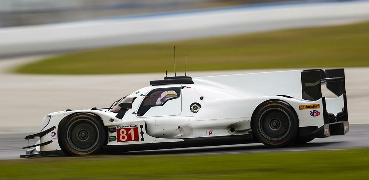 Der noch unbeklebte DragonSpeed-Oreca auf der Piste in Daytona, Foto: IMSA