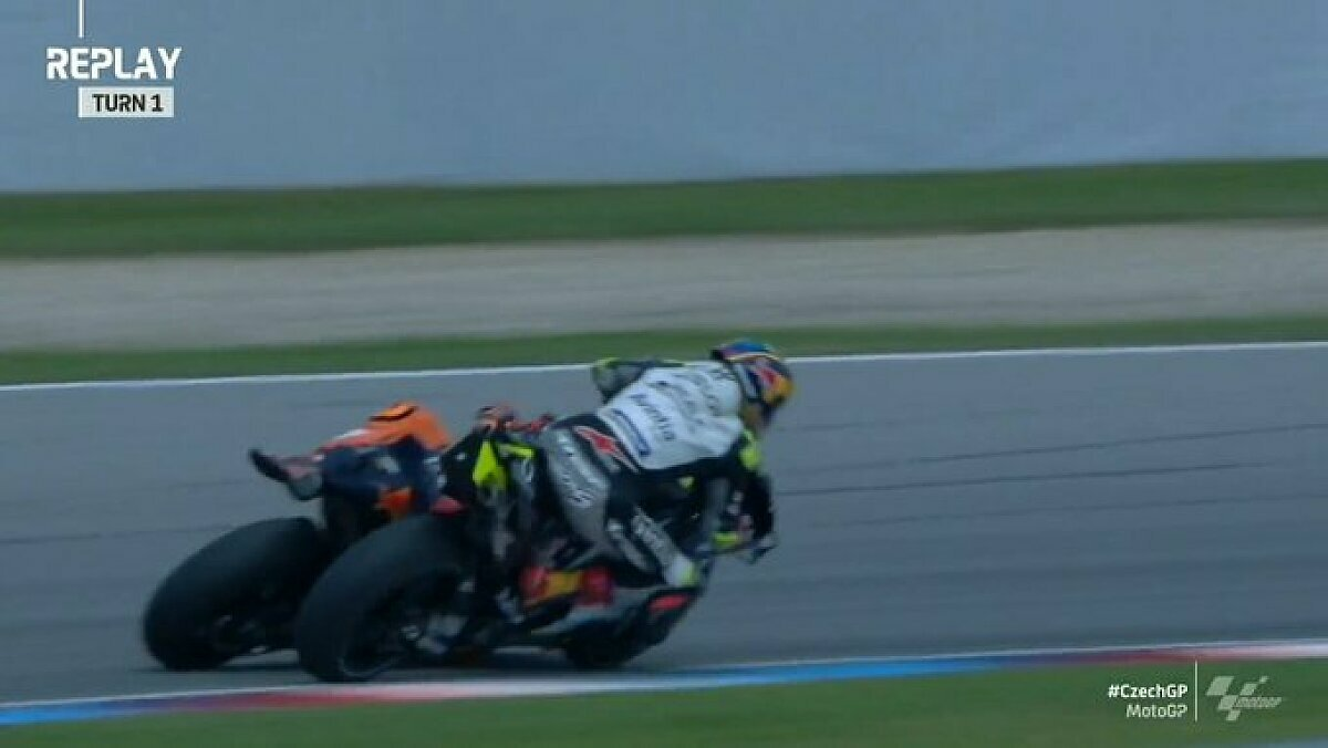 Zarco und Espargaro gerieten aneinander, Foto: MotoGP/Twitter