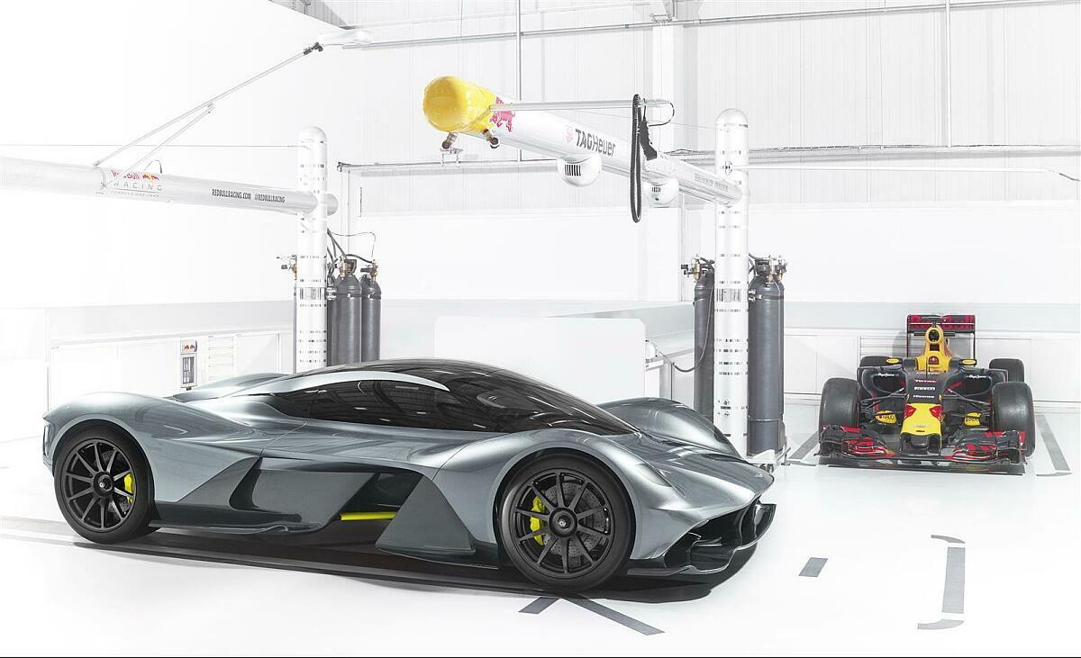 Red Bull Und Aston Martin Rennversion Vom Hypercar Valkyrie