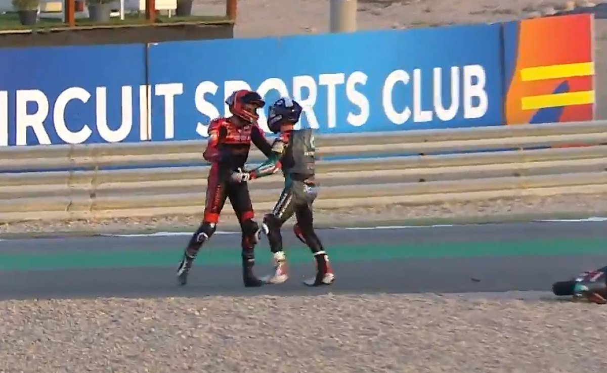 McPhee und Alcoba gerieten aneinander, Foto: MotoGP.com/Screenshot