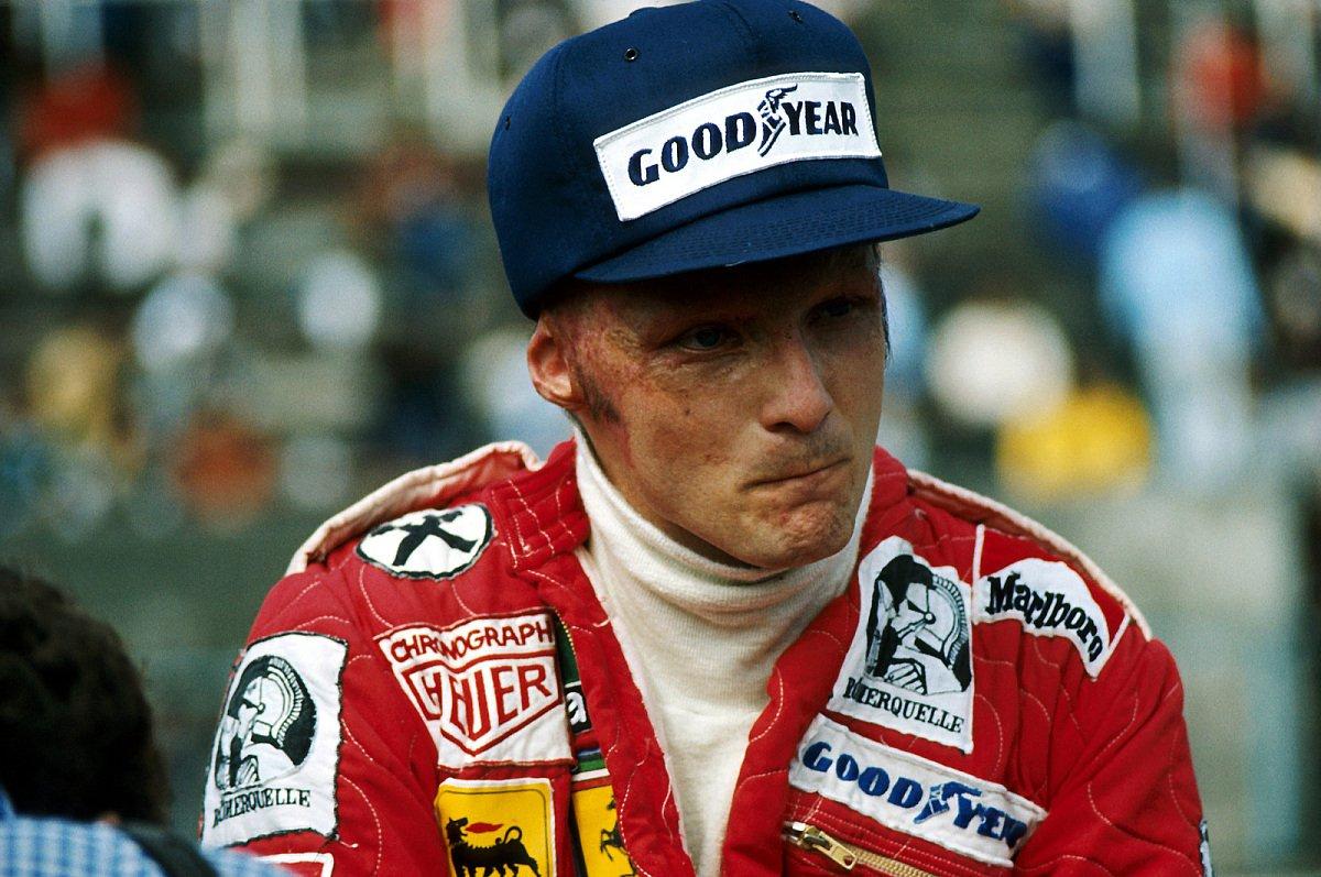 Niki Lauda sagt selbst: Ich bin eine lebende Legende, weil es mir das Ohr abgebrannt hat, Foto: Sutton