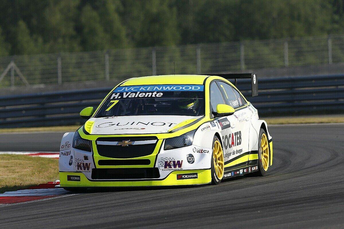 Der Chevrolet Cruze von Valente war für Tests in Barcelona, Foto: WTCC