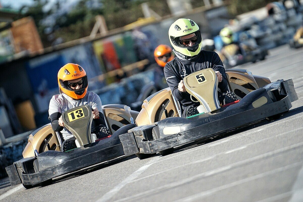 Auch Kartfahren war Teil der Trainingswoche, Foto: Daimler AG