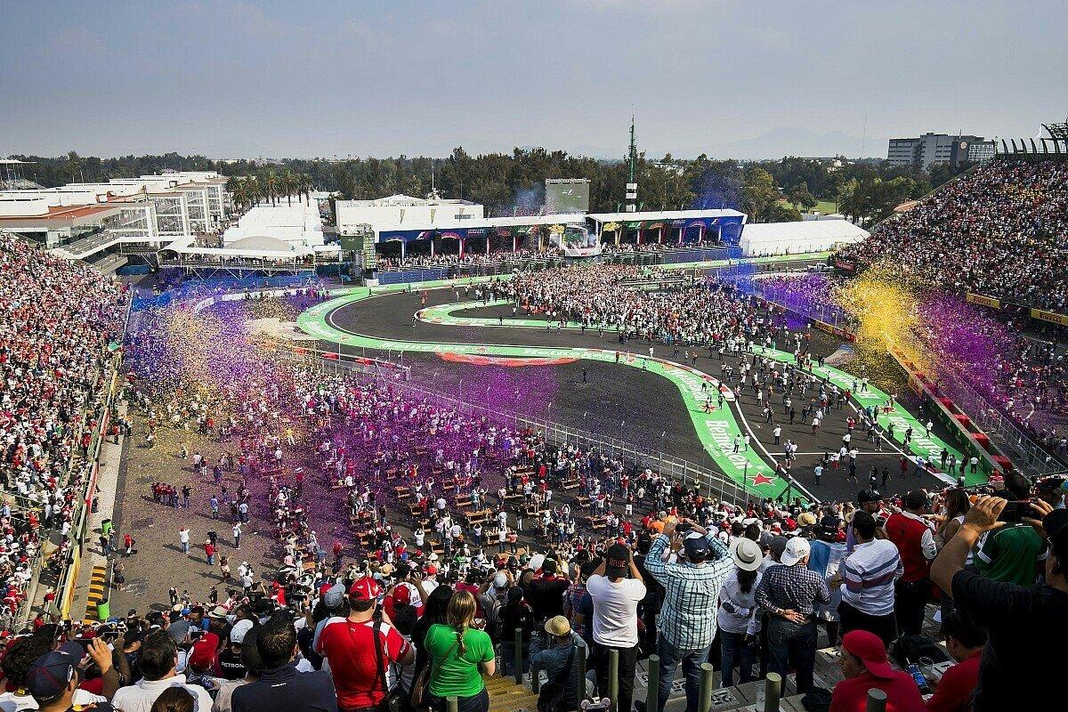 Mexiko gilt als eines der stimmungsvollsten Formel-1-Events der Saison, Foto: LAT Images