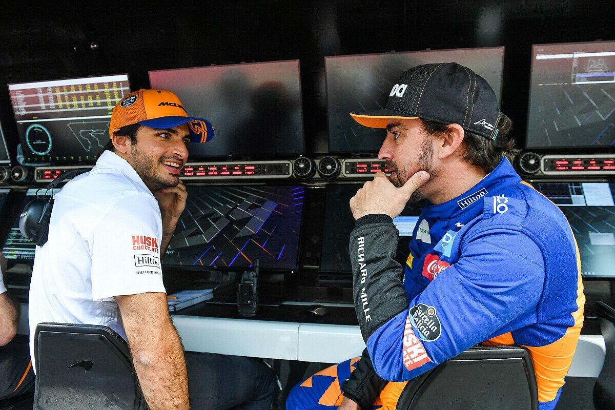 Carlos Sainz und Fernando Alonso fordern mehr Testtage, Foto: LAT Images