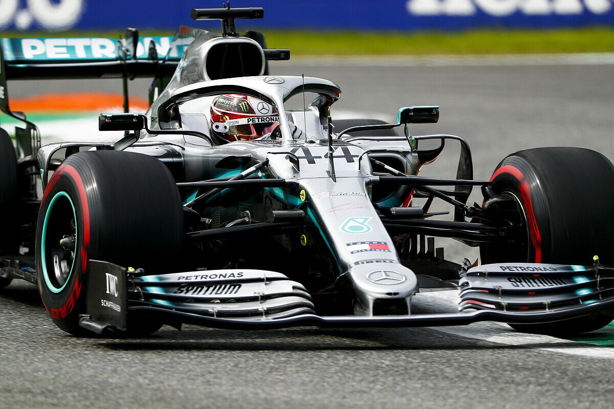 Lewis Hamilton stieg mit P2 aus dem Chaos-Qualifying aus, Foto: LAT Images