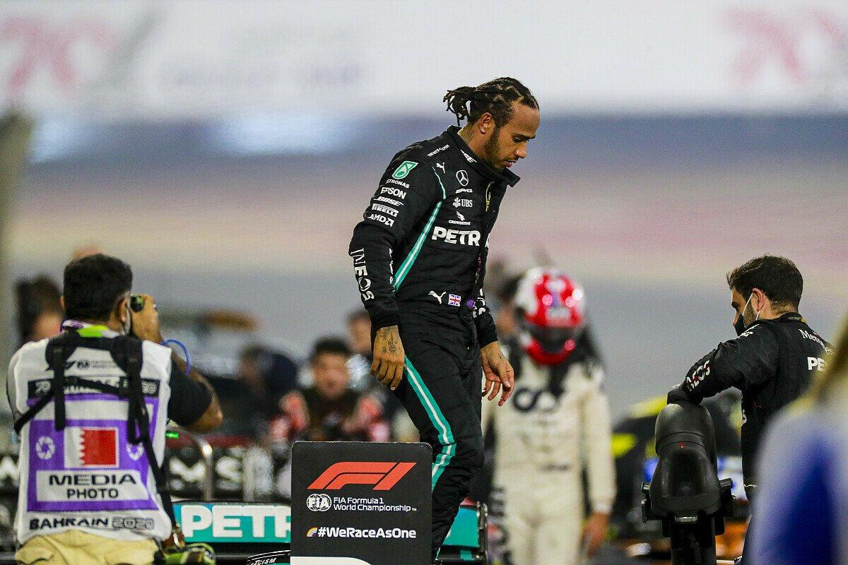 Lewis Hamilton gewann nach dem schweren Unfall von Romain Grosjean das Formel-1-Rennen in Bahrain, Foto: LAT Images