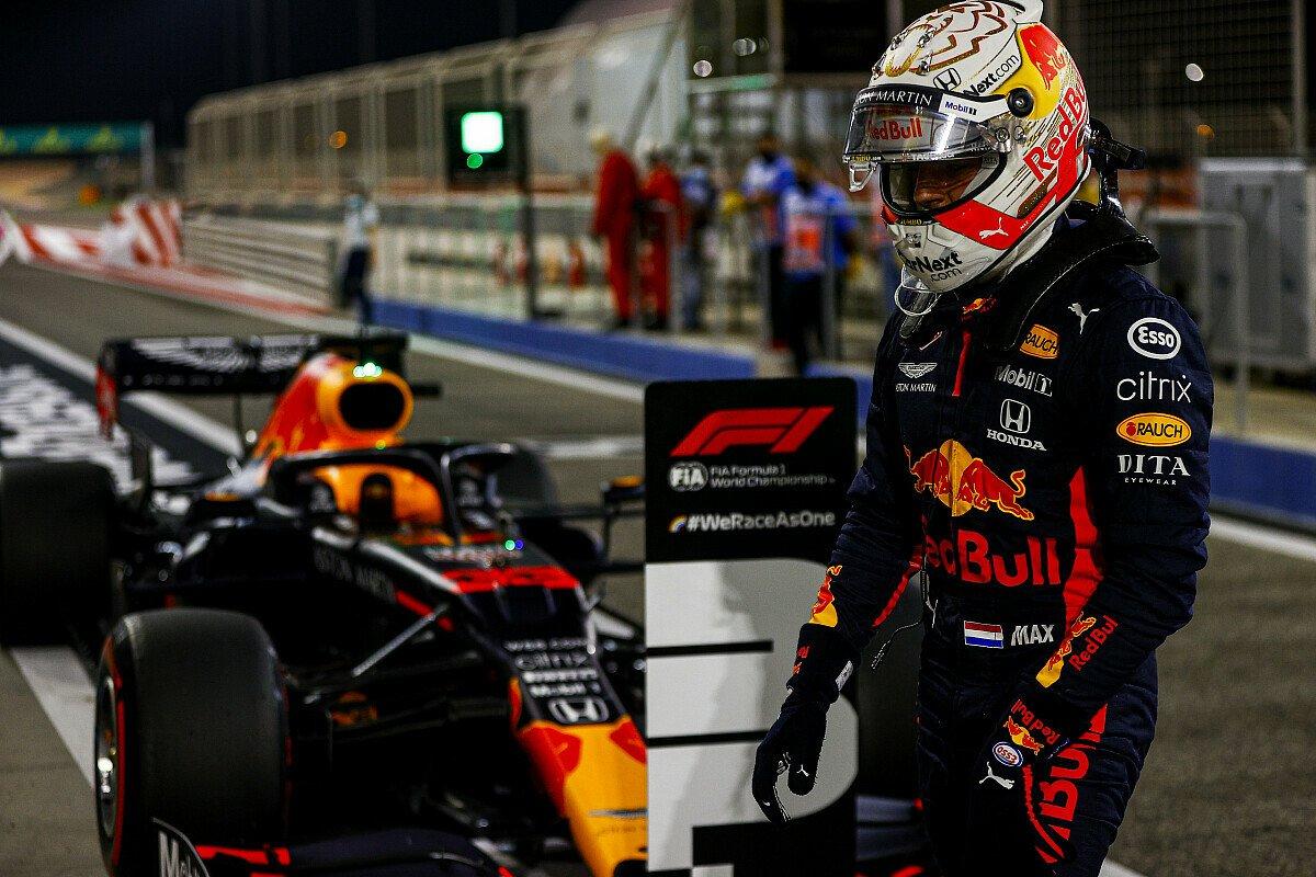 Max Verstappen jagt beim Sakhir GP der Formel 1 in Bahrain Mercedes, Foto: LAT Images