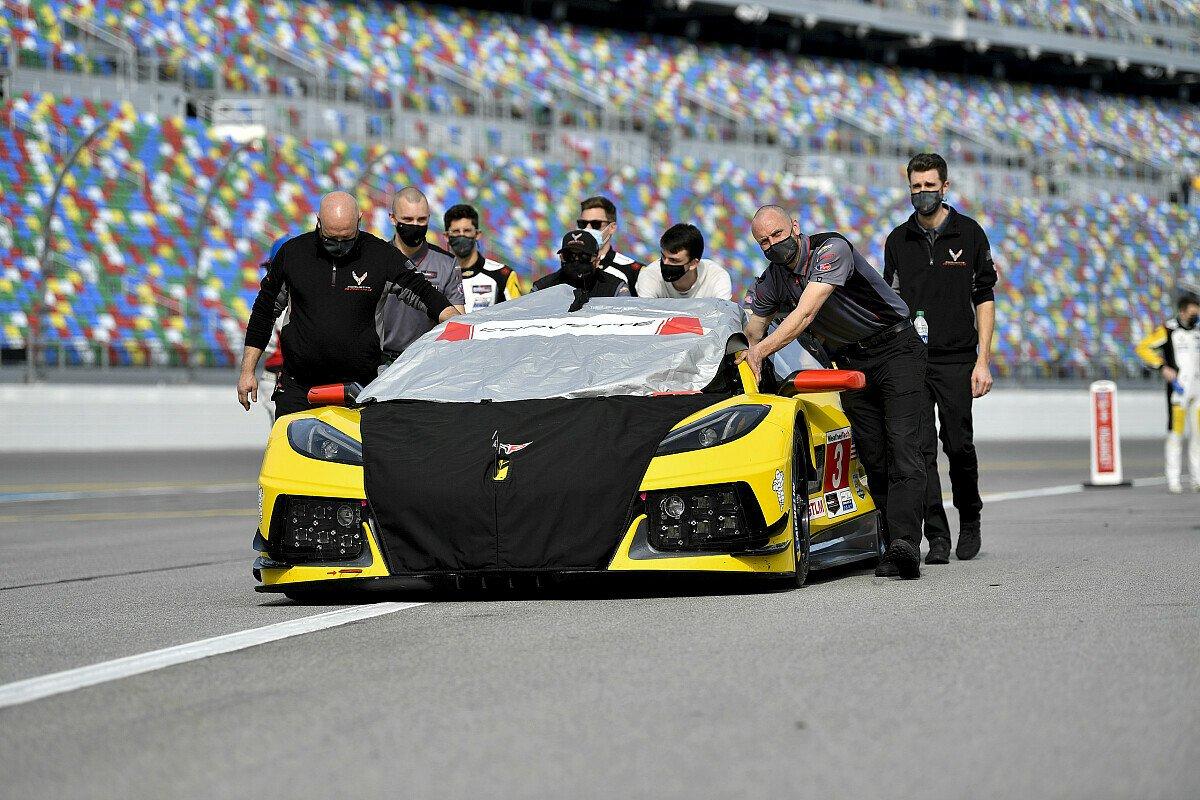 Das #3 Team von Corvette Racing bei den 24 Stunden von Daytona, Foto: LAT Images