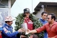 Formel-1-Kappen im Wandel der Zeit - Formel 1 1974, Verschiedenes, Bild: Sutton