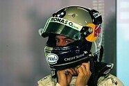 Vettels Helme im Wandel der Zeit - Formel 1 2006, Verschiedenes, Bild: Sutton