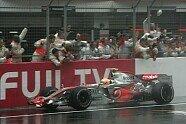 Podium - Formel 1 2007, Japan GP, Mount Fuji, Bild: Sutton