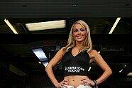 Silverstone: Zeitreise mit den heißesten Girls beim Großbritannien GP - Formel 1 2008, Verschiedenes, Großbritannien GP, Silverstone, Bild: Sutton