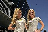Girls - MotoGP 2010, Großbritannien GP, Silverstone, Bild: Milagro