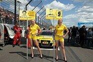 Grid Girls - DTM 2011, EuroSpeedway, Klettwitz, Bild: Sutton
