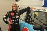 Doreen Seidel: Playboy-Bunny im Rennauto - Motorsport 2013, Verschiedenes, Bild: Emotional Engineering