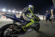 Rossi sorgt mit LED-Helm für Aufsehen - MotoGP 2014, Verschiedenes, Katar GP, Losail, Bild: Yamaha Factory Racing
