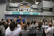Podium - Formel 1 2014, Malaysia GP, Sepang, Bild: Mercedes AMG