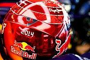 Vettels Helme im Wandel der Zeit - Formel 1 2014, Verschiedenes, Bild: Red Bull