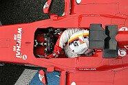 Vettels Helme im Wandel der Zeit - Formel 1 2015, Verschiedenes, Bild: Sutton