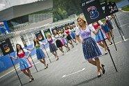 Österreich: Zeitreise mit den hübschesten Girls aus der Steiermark - Formel 1 2015, Verschiedenes, Österreich GP, Spielberg, Bild: Mirja Geh/Red Bull Content Pool