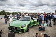 Lewis Hamilton im Mercedes-AMG GT R - Auto 2016, Präsentationen, Bild: Daimler