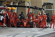 Unfall beim Räikkönen-Boxenstopp - Formel 1 2018, Bahrain GP, Sakhir, Bild: Sutton