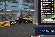 Heftiger Crash von Nico Hülkenberg - Formel 1 2018, Abu Dhabi GP, Abu Dhabi, Bild: Sutton