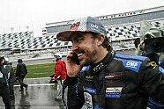 24h Daytona 2019: So feiert Fernando Alonso den Sieg im Regen - IMSA 2019, Bild: LAT Images