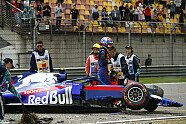 Albon-Crash im 3. Training - Formel 1 2019, China GP, Shanghai, Bild: LAT Images