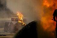 Grosjean Horror-Crash - Formel 1 2020, Bahrain GP, Sakhir, Bild: LAT Images