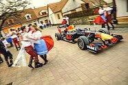 Red-Bull-Roadtrip: Coulthard beeindruckt bei Flugzeug-Stunt - Formel 1 2021, Verschiedenes, Bild: Red Bull Content Pool