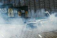 Highspeed-Unfall von Esmee Hawkey - DTM 2021, Lausitzring, Klettwitz, Bild: DTM