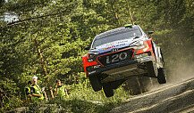 Hyundai 'best of the rest' im Finnland-Shakedown
