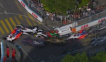 Formel E, Unfall in Bern: Lucas di Grassi wütet in Boxengasse