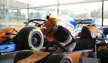 Formel 1 Video: Süßes Kind im gebastelten McLaren