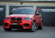 Auto: BMW: Fostla pr�sentiert neuen X5 - 650 mit den Hufen scharrende Wildpferdest�rken