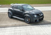 Auto: Nissan Juke-R 2.0 deb�tiert in Goodwood - Fusion von Crossover und Supersportwagen
