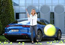 Auto: Angelique Kerber trifft den Porsche Panamera Turbo - Rendezvous der Supersportler
