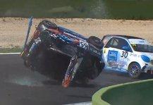 Motorsport: Unfall bei Smart-Rennen in Italien: Ende mit Vierfachüberschlag