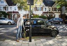 Auto: Elektroauto an Laterne laden: Spezielle Technik für Deutschland