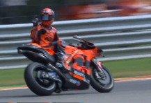 MotoGP: MotoGP-Zoff: Danilo Petrucci packt den Stinkefinger aus