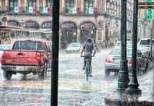 Auto: Darauf sollten Autobesitzer bei einem Wasserschaden achten