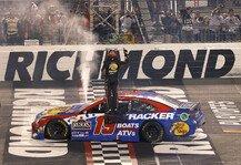 NASCAR: NASCAR 2021 Richmond Night Race: Truex gewinnt vor Hamlin