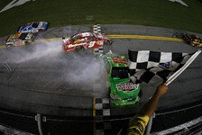 NASCAR - Big One auf der Zielgeraden: Tony Stewart siegte in einem Thriller