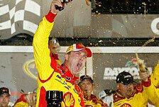 NASCAR - Massencrash mit 19 Fahrzeugen sorgte f�r Chaos: Kevin Harvick gewinnt das Daytona 400
