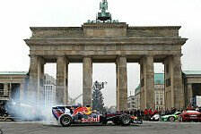 Formel 1 - Vettel-Party in Berlin: Video - Vettel feiert vor dem Brandenburger Tor